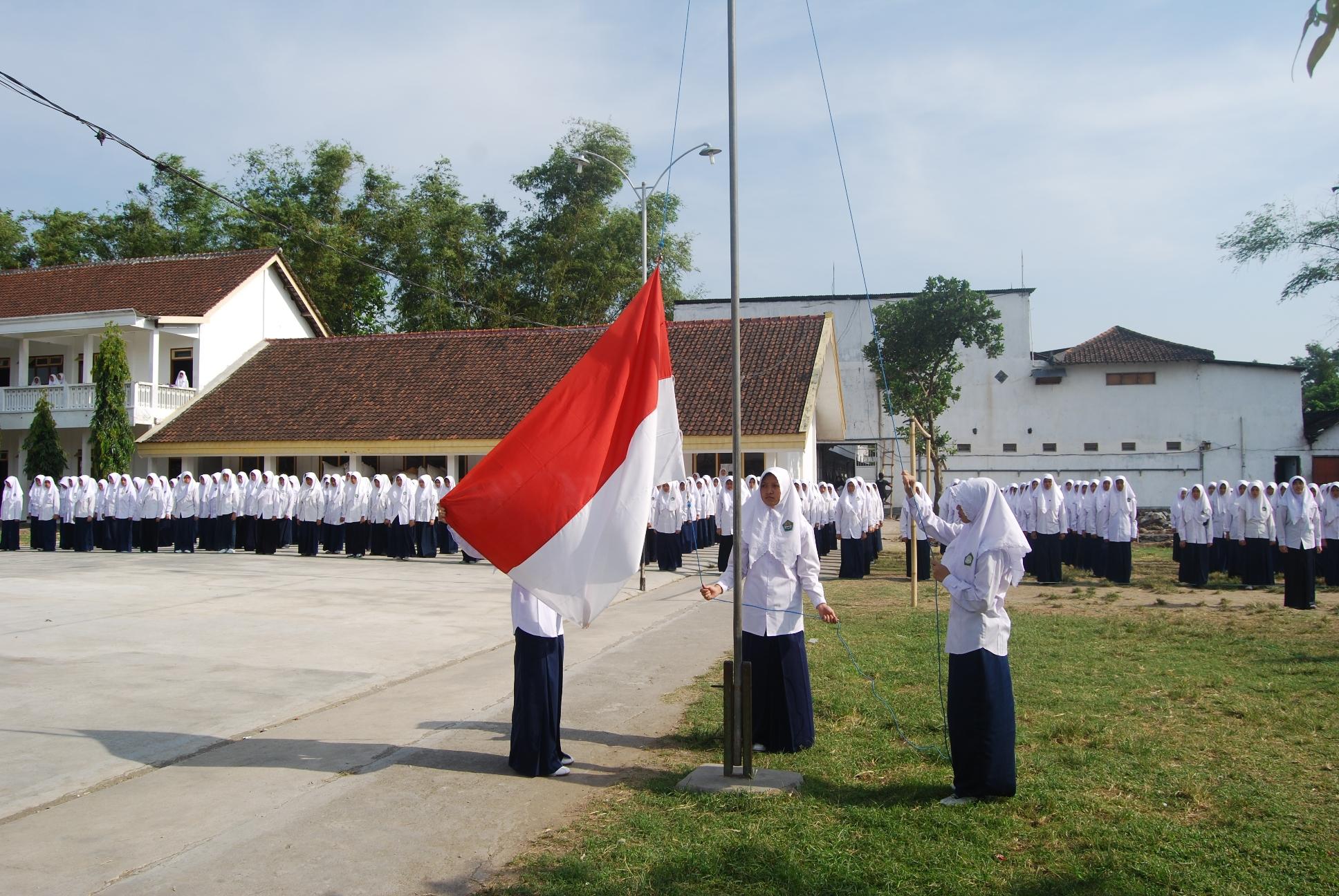Upacara Bendera Dalam Rangka 1 Muharram 1435 H